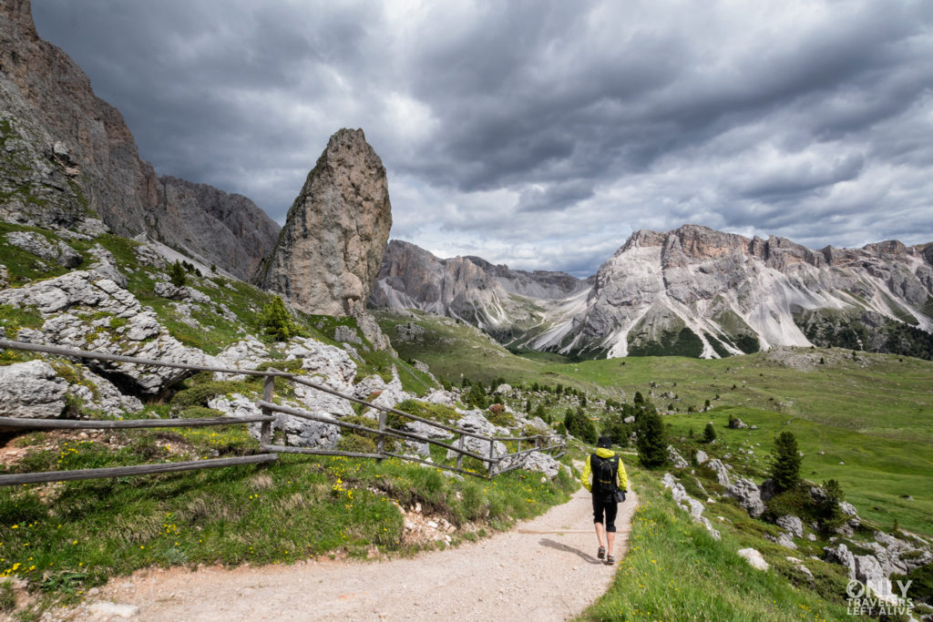 dolomity only travelers left alive