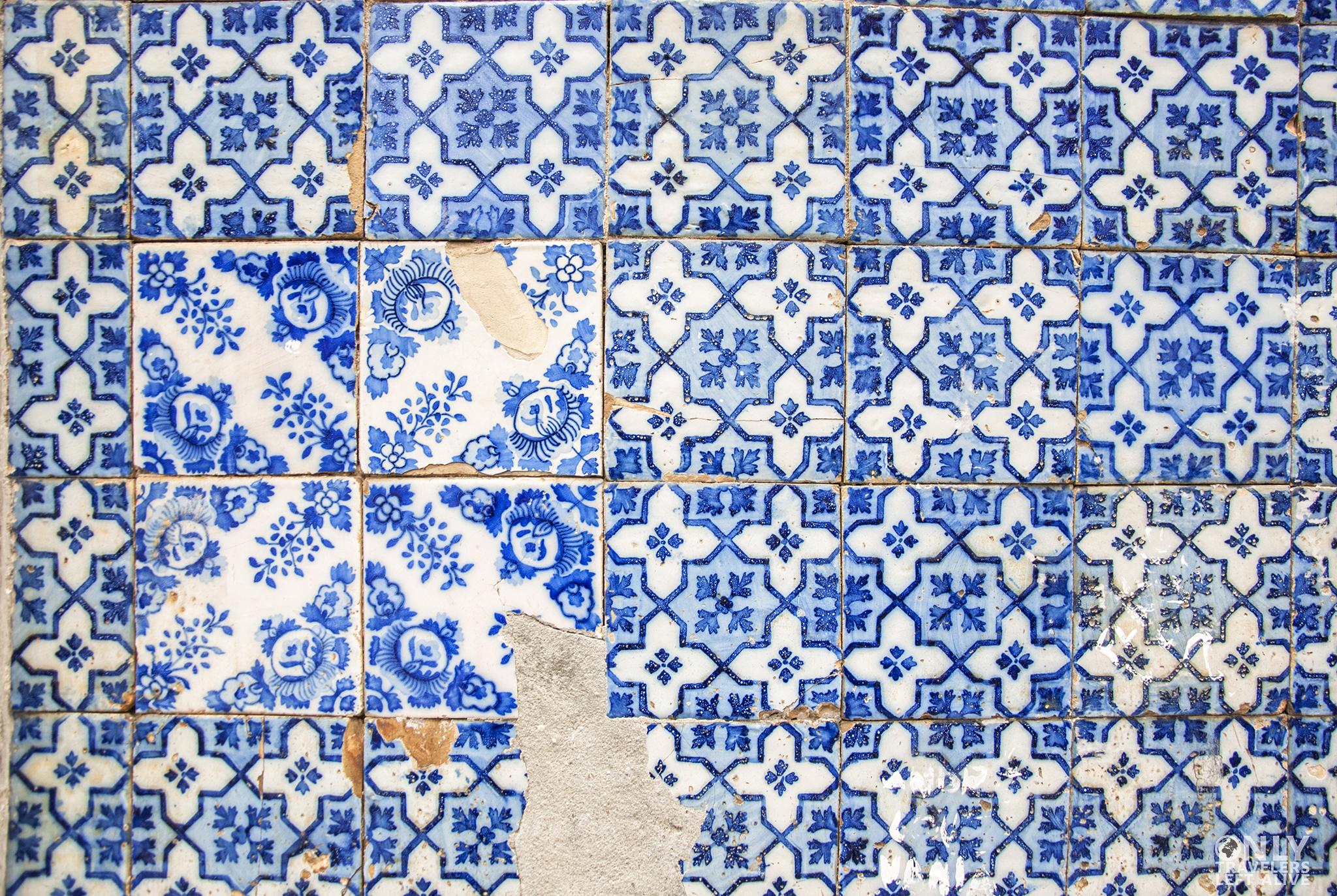 azulejos only travelers left alive